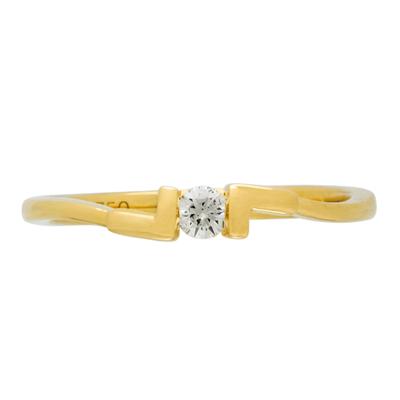 Anillo en oro amarillo de 18 Kilates con diamante central de 0.08Ct
